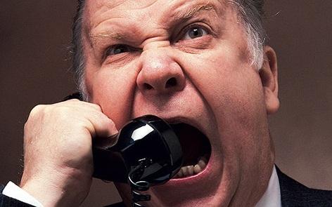 Если коллекторы угрожают вам по кредитному договору - смело вызывайте полицию