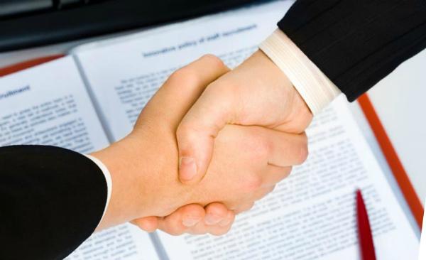 Подписание договора купли-продажи бизнеса