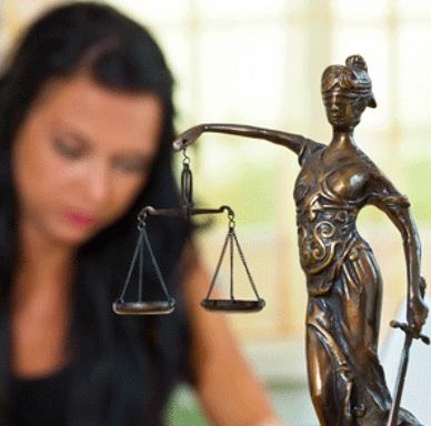 Если вас уволили незаконно, смело обращайтесь в суд