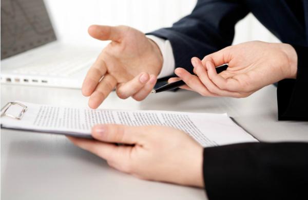 Нужно ли передавать договор в налоговую